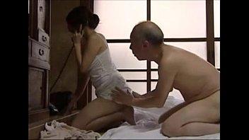 AV69 เอาใจคุณพ่อด้วยท่าเด็ดประจำสูตรหนังโป๊ญี่ปุ่น อมควยแข็งเมื่อไหร่เดียวให้เย็ดแตกในเลย