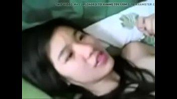 แอบถ่ายน้องพิงค์ สาวน่ารักปากชมพูน่าล่อ นอนสูดปากร้องเสียวหีเวลาโดนผัวเย็ด