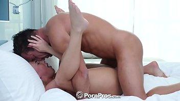 PornPros หนังโป๊ออนไลน์โคตรได้ใจ กอดโคตรนัวเนียเลียหูคอแล้วยัดควยทั้งดุ้นซอยกันสดสด