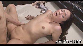 คลิปเอวีญี่ปุ่นHD ดารานมสวยหน้าตาดีโยกหีสนุกสนาน ควยใหญ่มันฟินดีแบบนี้แหละพี่