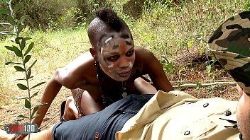CLIPSex สาวป่าแอฟริกาเย็ดนายพรานหนุ่มร่างกำยำ จับหำดูดเล่นเอายัดปากแล้วเย็ดแม่ง