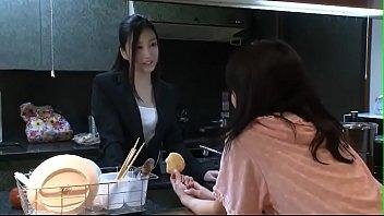 คลิปเสียวสาวญี่ปุ่น เข้าห้องมาเสนอตัวแหกหีให้ผู้ชายกระเด้า ไม่ร่านจริงไม่ยอมให้ควยเอาสดหรอก